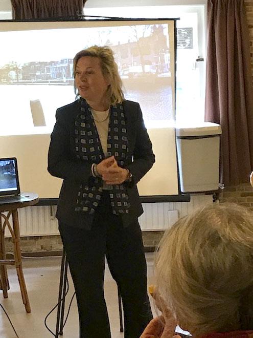 3 april 2019 - Maatschappelijke Kring Vlaardingen kwam De Groene Luiken Feliciteren met hun 25-jarig jubileum